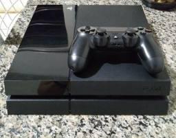 Vende-se PS4 500GB