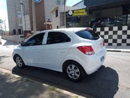 Chevrolet Onix 1.0 Mpfi Joy 8v Flex 4p Manual 2017 baixo km Segunda dona