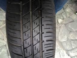Pneu Pirelli 175/65/15 Semi novo
