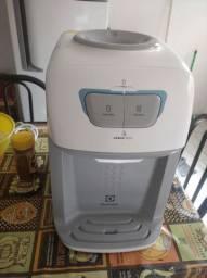 Purificador de agua Eletrolux produto novo.