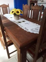 Mesa de madeira, 6 cadeiras