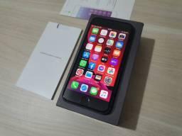 Troco iPhone 8 64GB Cinza Espacial Apple