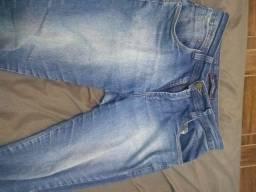 Calça Jeans desgastada