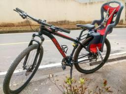 Oportunidade! Vendo cadeirinha traseira para bike