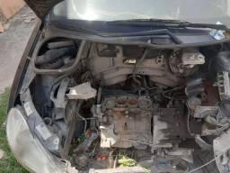 Vendo peças de Peugeot 206 ano 2005