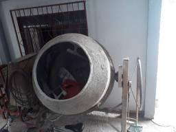 Vendo betoneira usada 400l 110 220