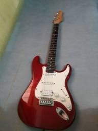 Guitarra Gianini, com cordas recém trocadas