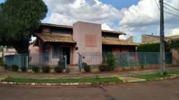 Casa comercial de esquina Carandá Bosque