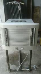 Vendo um ar condicionado  de 7500btu por 350