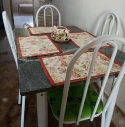Mesa para jantar.