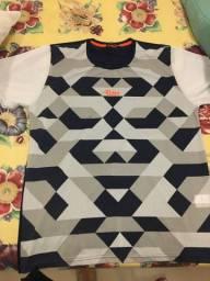 Vende-se camisa de treino RUN
