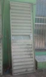 Vendo 3 portas de ferro