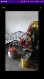 Máquina de produzir concertina