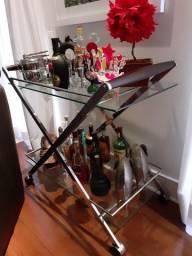 Carrinho Bar de metal cromado e vidro