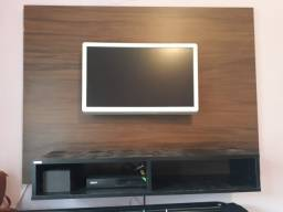 Painel e televisão