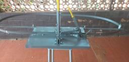 Travador de serra fita móvel