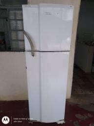 Geladeira Dako Maxi Freezer REDK40