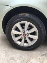 Troco rodas aro 14 do siena hlx por rodas aro 15, aceito propostas !