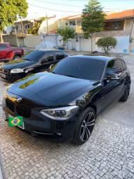 BMW 120i 2015 turbo preta 2.0