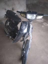 Moto muito boa Traxx Star 50cc emplacadinha! DUT & RECIBO