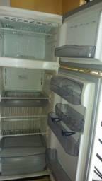 Mesa de corte , geladeira