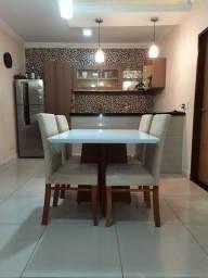Mesa de jantar com 4 cadeiras novas