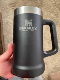Caneca Stanley preta 710ml