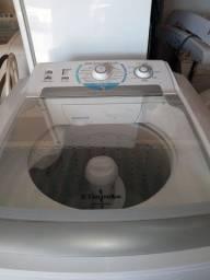 Título do anúncio:  Vendo Máquina de lavar Eletrolux semi-nova