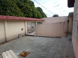 Alugo Casa no Dom Pedro com 4 quartos, Excelente localização