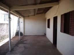 Casa para aluguel no Monticelli