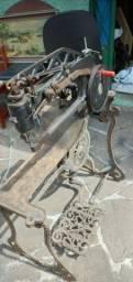 Maquina de costura calçados 1870