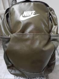 Mochila Nike Brasília 9.0 24 Litros (Nova)