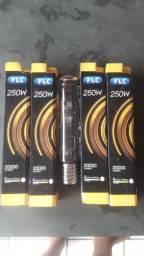 Vendo  Lâmpadas FLC 250W R$55,00 Cada.