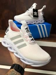 Título do anúncio: Tênis Adidas Maverick - 170,00