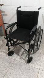 Cadeira de rodas confortavel