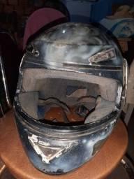 Vendo 2 capacetes de moto