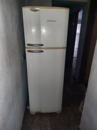 Vende se geladeira Electrolux Dúplex