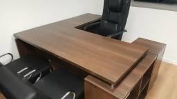 Conjunto completo de móveis para escritório. Alto padrão