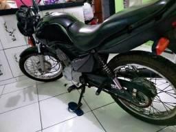 Moto FAN 125 valor R$4,200 preço negociável - 2013