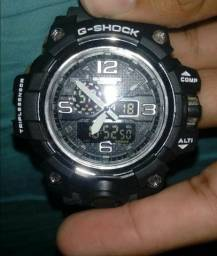 G-Shock preto camuflado