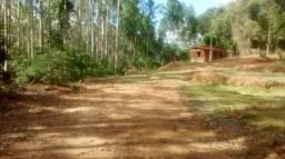 Sitio com 10.150 m² e pequena casa em construção