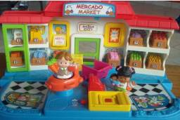 Mercado Market fala inglês e português da linha Fischer Price Little People