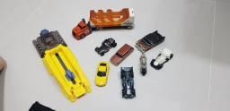 Carrinhos Hotweels + Lançador de carrinhos