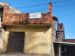 Casas e ponto comercial
