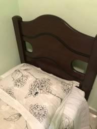Vendo duas camas de solteiro MDF