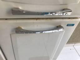 Paneleiro em aço Itatiaia (com ferrugem)