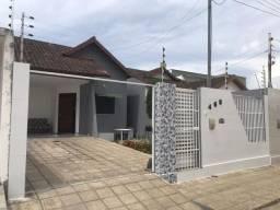 CA0033. Casa com 96m² de área construída, em rua calçada e ótima divisão interna