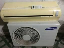 Split Samsung  24.000 BTUs.