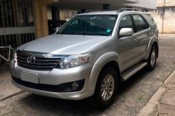 Hilux SW4 2.7 4X2 SR 2015 - Completo!