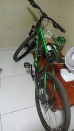 Bicicleta First aro 29